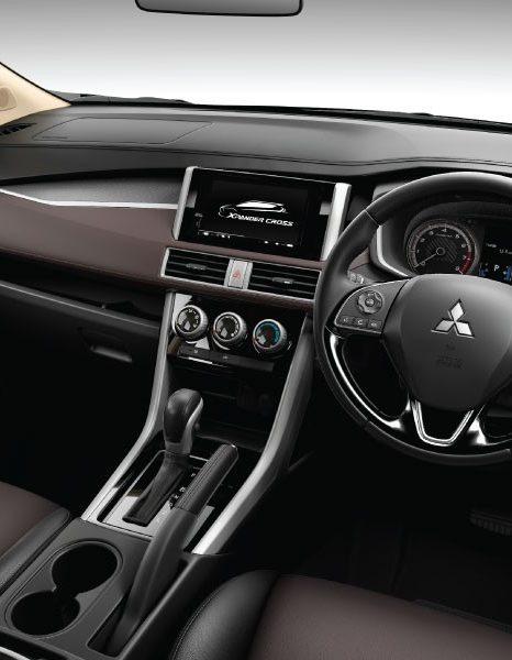 Dashboard Xpander Cross